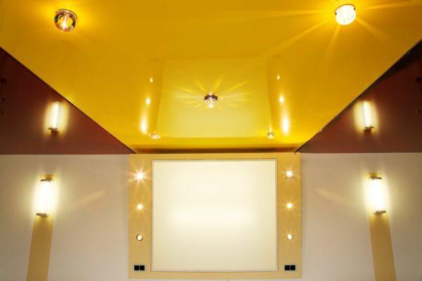 Цветной натяжной потолок