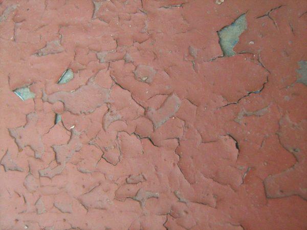 Удаление старой краски со стен в ванной