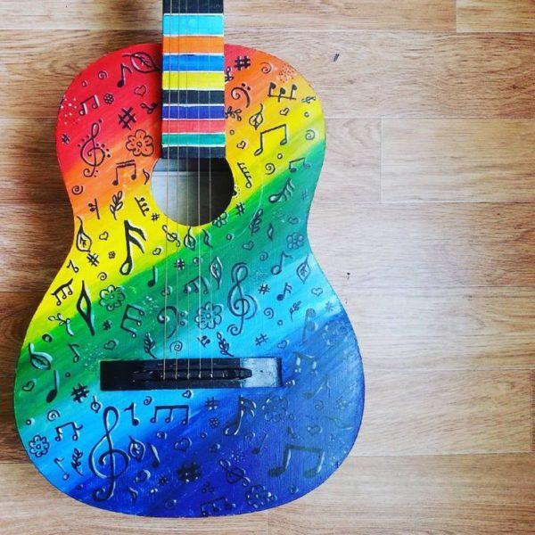 Крашеная гитара