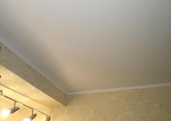 Побелка потолка водоэмульсионкой