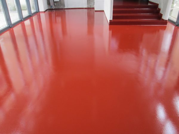 Крашеный бетонный пол