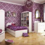 Вариант покраски стен в детской комнате девочки