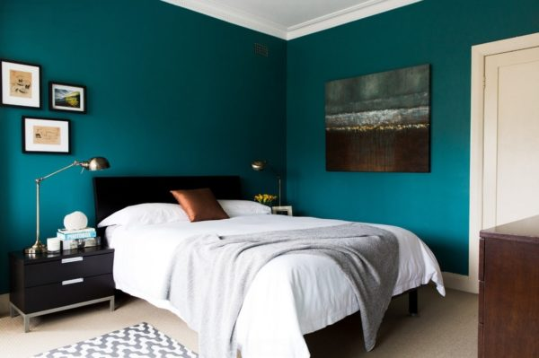 В какой цвет красить спальню