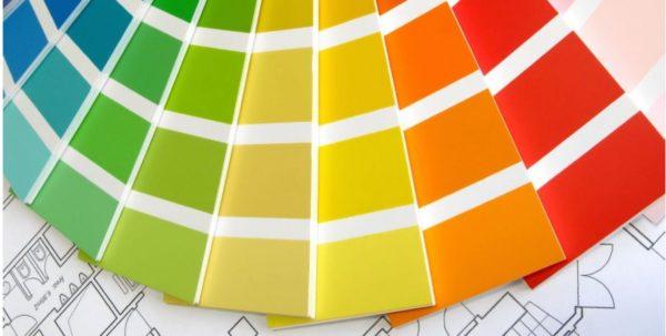 Окрашивание межкомнатных дверей краской без запаха: преимущества, разновидности составов, рекомендации