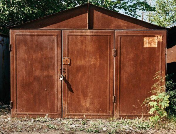 Покраска позволит продлить срок службы гаража